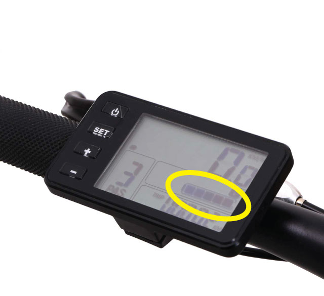 ebike-battery-level-on-control-display-unit